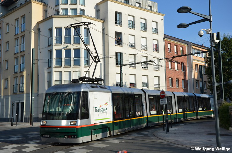 Tramway-Lille-Tram-0001-2015-07-09-Tourcoing_Centre.jpg