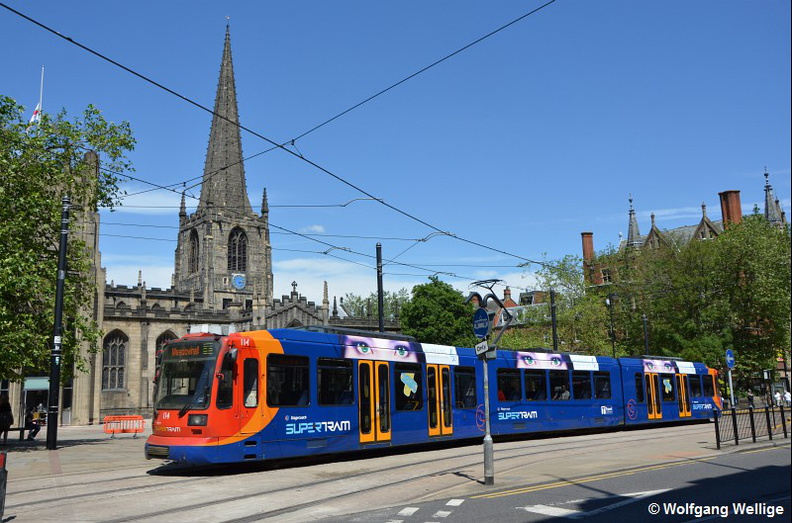 Tram-Sheffield-Supertram-0114-2015-07-03-Cathedral.jpg