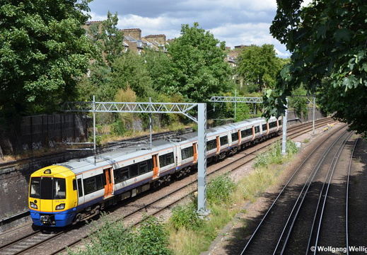 London Overground 378 256, Canonbury